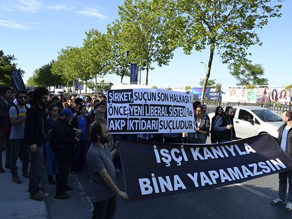 Madencilerin kanıyla yükselen Spine Tower'a protesto!