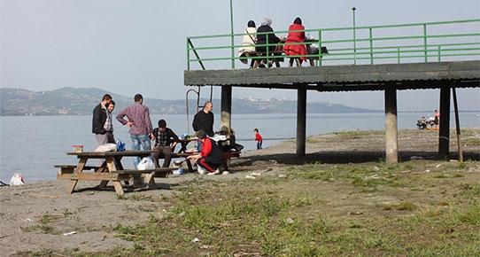 Sapanca Gölü, içinde piknik yapılacak kadar çekildi!