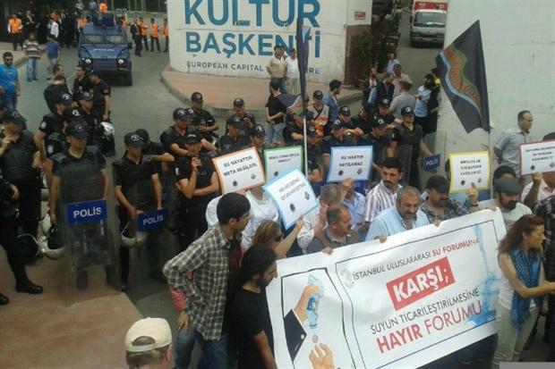 Su forumuna karşı suyun ticarileştirilmesine hayır