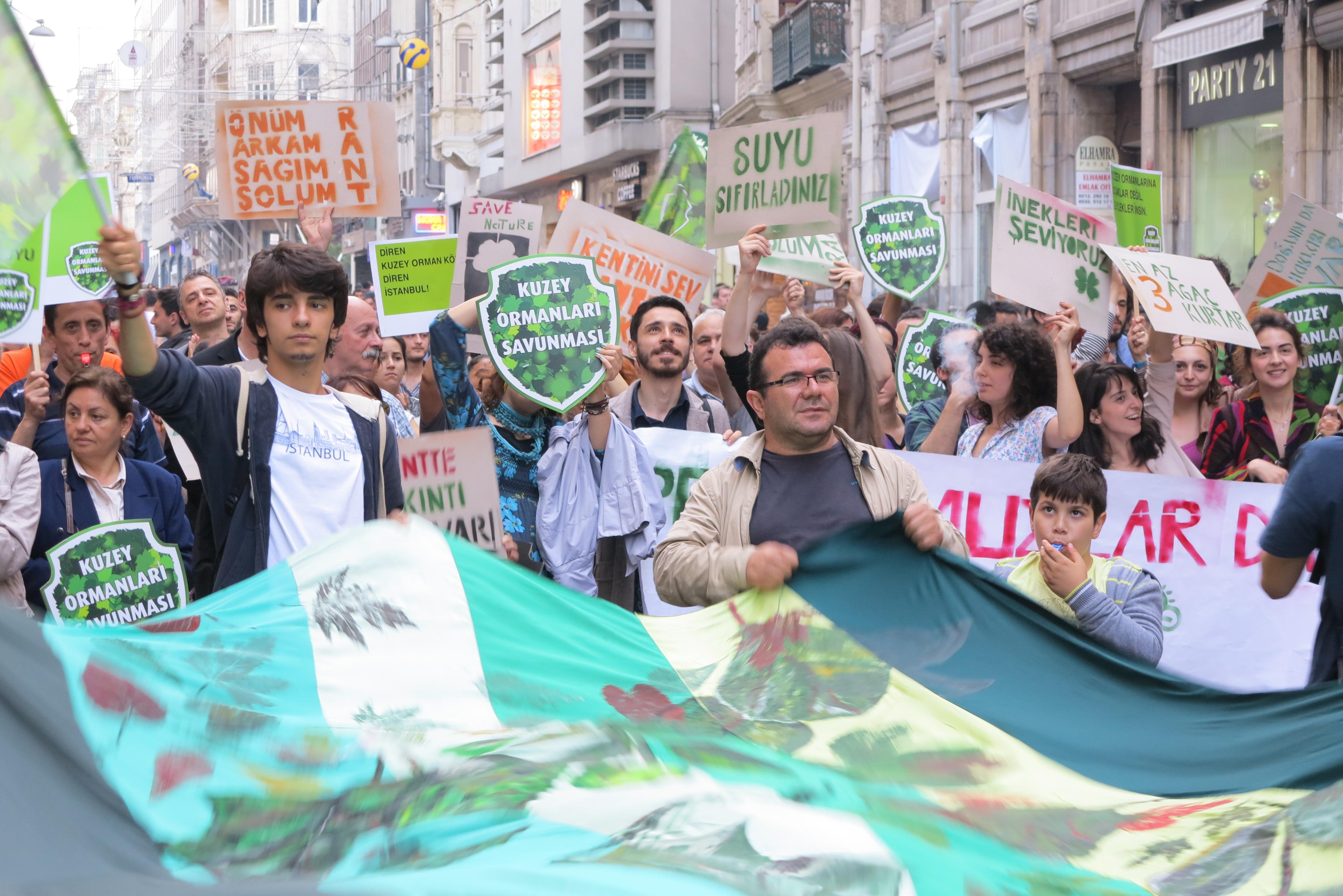 İstanbul Halkı Kulak Ver! – 7 Haziran 3. Havalimanı katliam projesine karşı KOS Eylemi