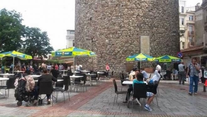 Galata Kulesi'ne çay bahçesi işgali