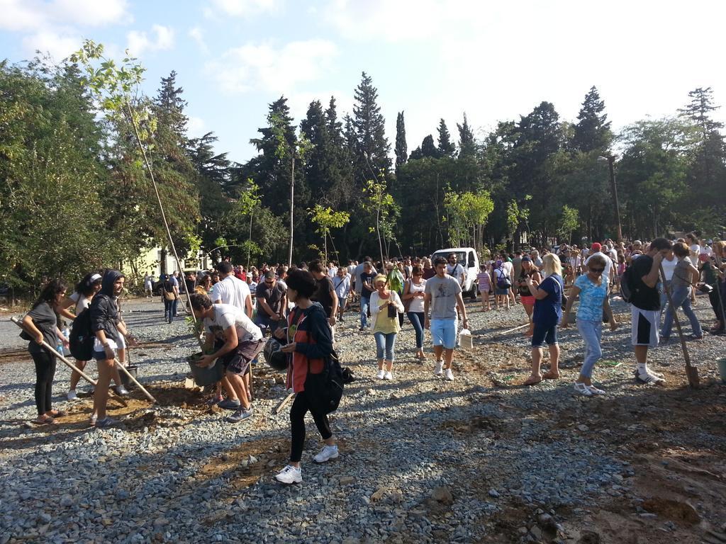 'Sivil toplum' varsa, kim korkar AKP'den?