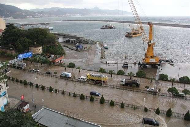 """""""Doğa, Karadeniz Sahil Yolundan İntikamını Alıyor"""""""