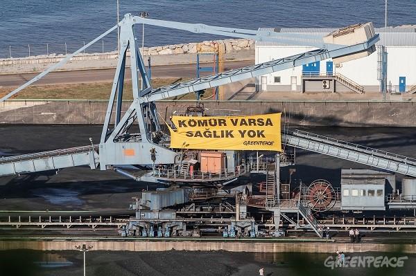 Greenpeace Zonguldak'ta kömürü durdurdu