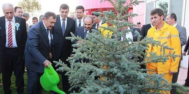 Bakan Eroğlu HES'leri böyle savundu: Yok çevreyi kirletiyormuş, ne kirletmesi