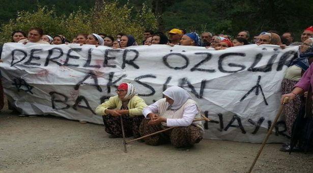 Kazdağları Baraja Direniyor. Köylüler kepçeleri geçirmedi!
