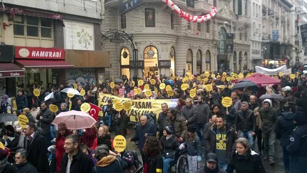 Yüzlerce yaşam savunucusu #EngelsizTürkiye için omuz omuza yürüdü