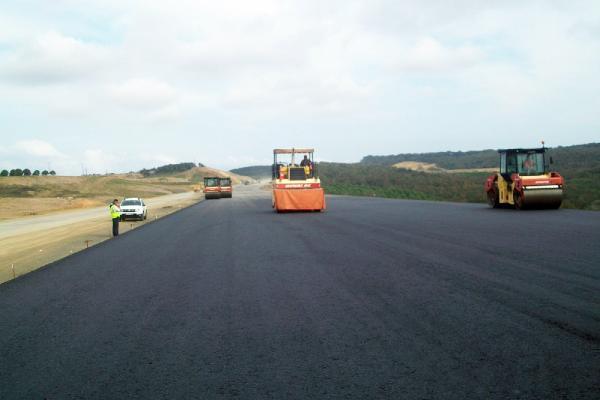 3. köprü güzergahında ilk asfalt döküldü