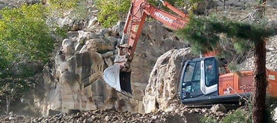 Ermenek'te Binlerce Yıllık Kaya Mezarları İş Makinası İle Düzlendi!