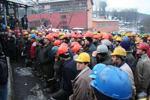 Bakan İtiraf Etti: 42 Bin Maden İşçisi Kaçak Çalıştırılıyor