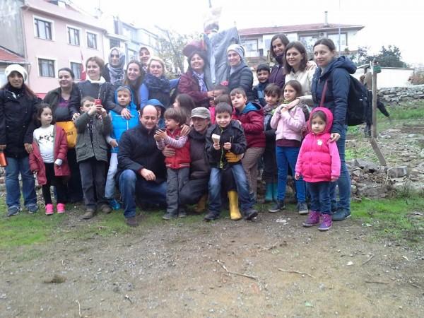 İmrahor Bostanı'nda çocuklar ekim yaptı