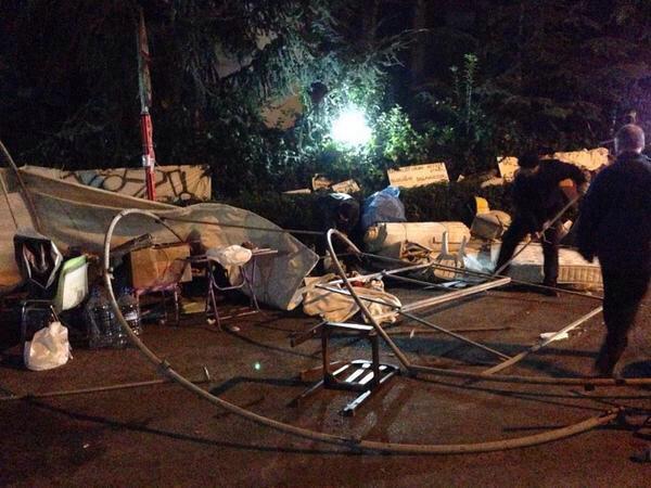 Validebağ'da Direnişçilere Geceyarısı Biber ve Plastik Mermi İle Saldırı!