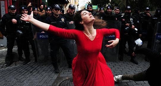 Halkına kapatılan meydanlar aşkına 28 Aralık'ta Kadıköy'deyiz!