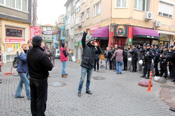 """Caferağa Boşaltıldı, """"Saraylara Karşı Mahalleevi"""" Sloganı Yükseliyor"""
