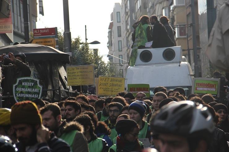 Marmara'yı savunmak için binler yürüdü