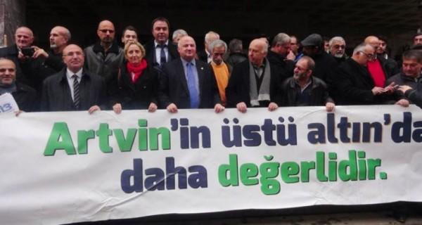 Yaşam savunucuları ÇED iptal davası için Rize'ye aktı