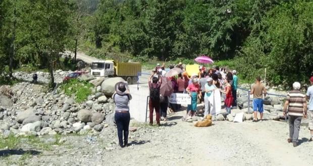 Arhavi'de kaçak HES'i protesto edenler yargılanıyor