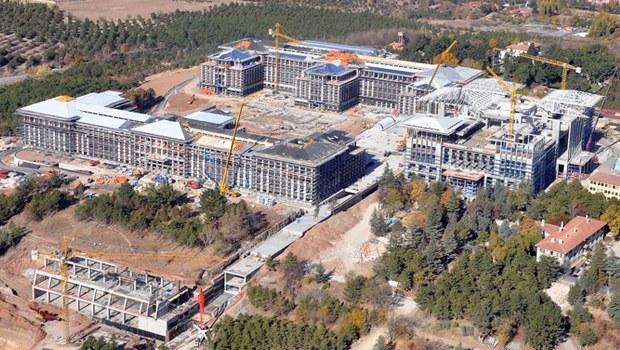 Kent Atatürk Orman Çiftliği'ni yıl yıl azaltıyor