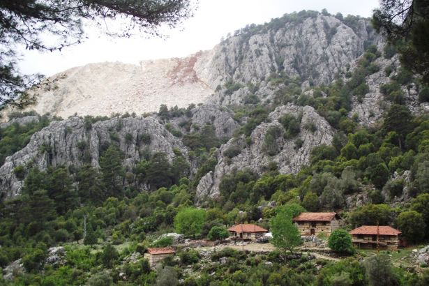 Isparta'da Çandır köylülerinin 40 yıllık rüyası doğa kıyımına alet ediliyor