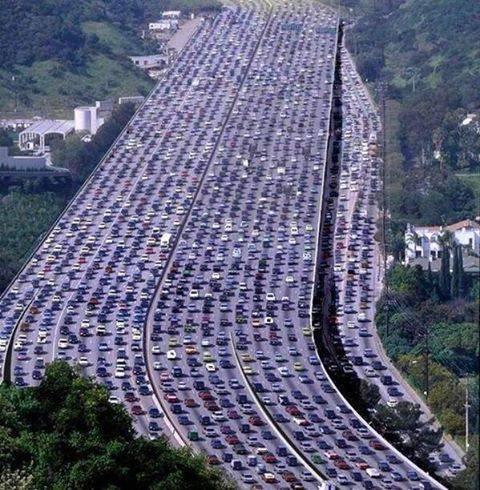 Otomobiller Türkiye'yi esir alıyor