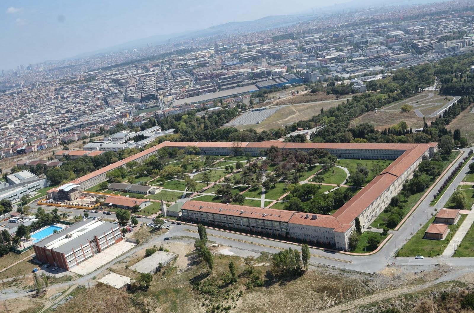 Tarihi Davutpaşa Kışlası'nda izinsiz inşaat