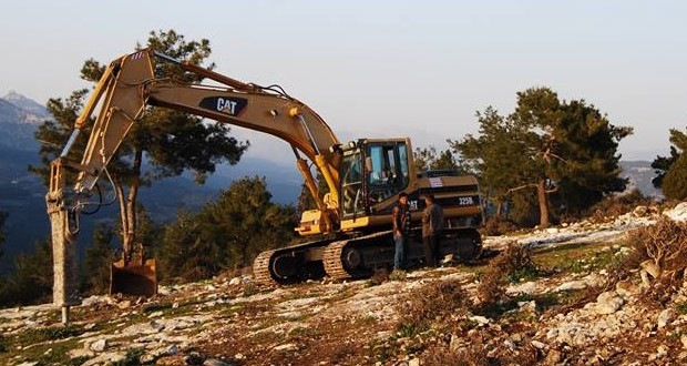 Adana'da Bolacalı köylüleri taş ocağına karşı eylem hazırlığında