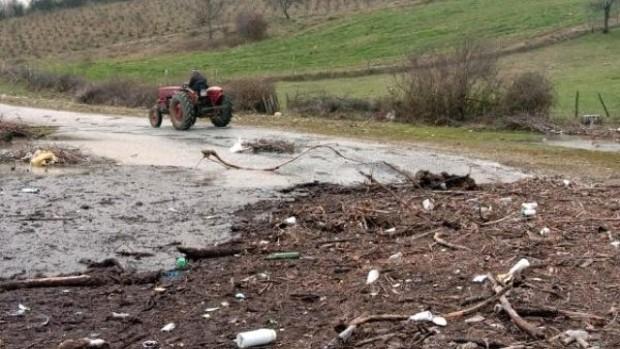 Çanakkale, Bayramiç Barajı'nı Zehirli Atıklar Doldurdu