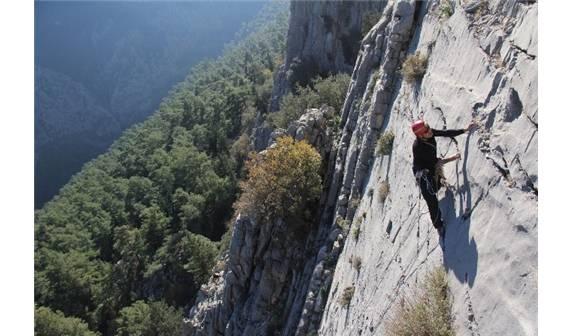 Antalya'da dünyaca ünlü tırmanış bölgesine taş ocağı yapmak istiyorlar!