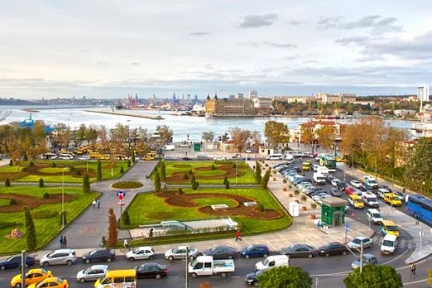 Bakanlık'ın Kadıköy'de cami ve yat limanı inadı