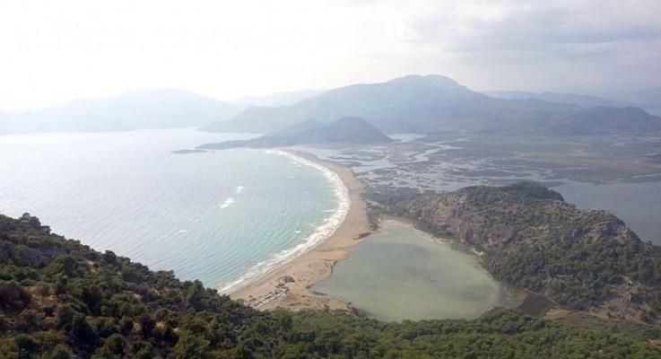 Yapılaşmaya açılmak istenen İztuzu, dünyanın 25 şahane plajından biri seçildi