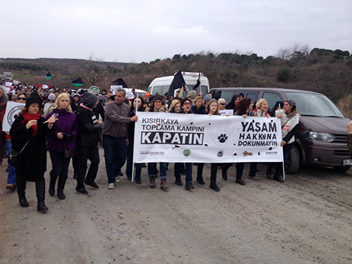 """İstanbul Barosu: """"Bütün toplama ve tecrit kampları kapatılmalıdır"""""""