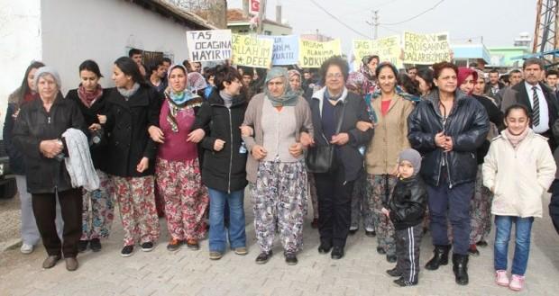 """Taş ocağına karşı mücadele eden İzmir, Karakuyu halkı: """"Ayranlığımızı kabartmasınlar"""""""