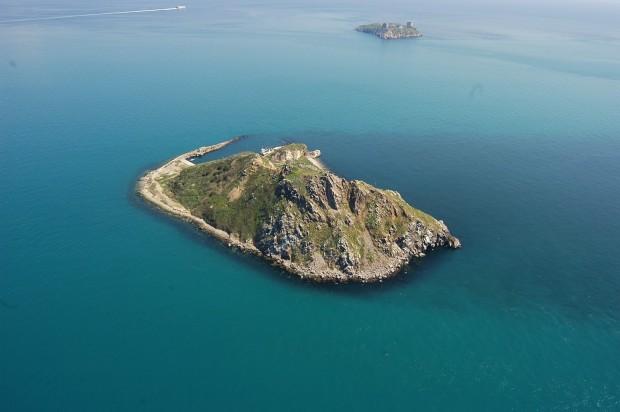 Adalar Savunması: 'Sivri ve Yassıada''da Otel ve Marina değil, Deniz, Orman ve Özgürlük İstiyoruz!'