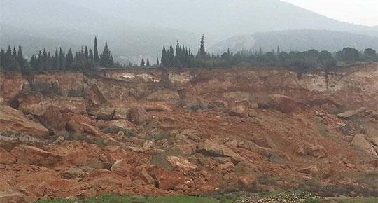 Kemalpaşa'da taş ocağı kurulmak istenen köyde de heyelan