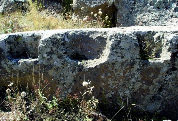 Van Gölü sahilindeki 5 bin yıllık antik kentte yok olma tehlikesi