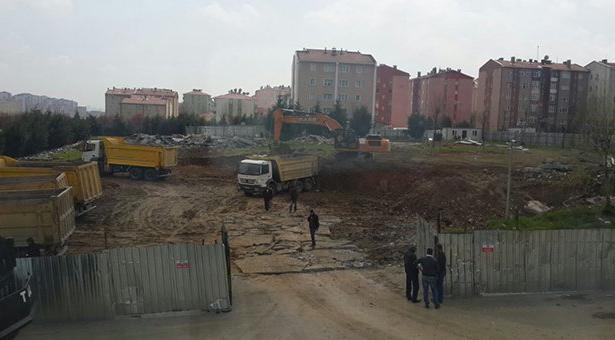 Başakşehir'deki imam hatip inşaatında göçük