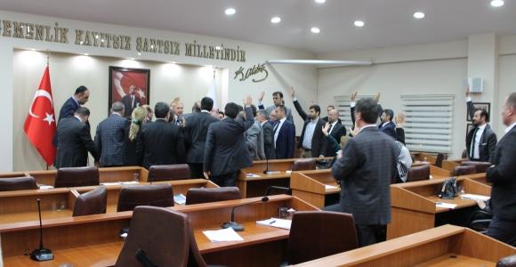 Başakşehir Belediyesi, Bahçeşehir Göletini tekme tokat yapılaşmaya açtı!