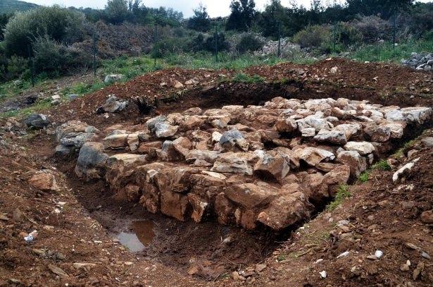Bodrum'da İnşaat Kazısında 3,500 Yıllık Antik Sur Duvarları Ortaya Çıktı, İnşaat Devam Ediyor!