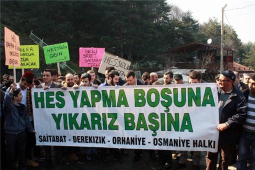 Bursa'da HES'e davullu zurnalı tepki
