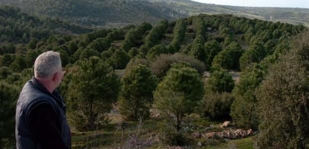 """Cezmi Baskın'ın """"Bizum Hoca"""" filmindeki 'çevreci imam' rolü, şimdi Çanakkale'de gerçek oldu!"""