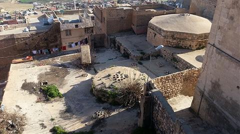 Mardin'de tarihi hamam kaderine terk