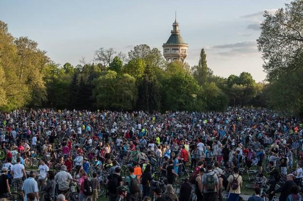 Budapeşte'de büyük bisiklet eylemi