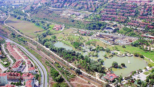 İstanbul'un yeşil alanlarından biri daha, Bahçeşehir Göleti satılıyor!