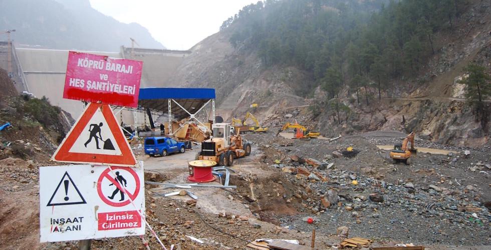Kozan'da 10 işçinin katledildiği baraj faciası davasında sanıklara 24 taksitli para cezası!