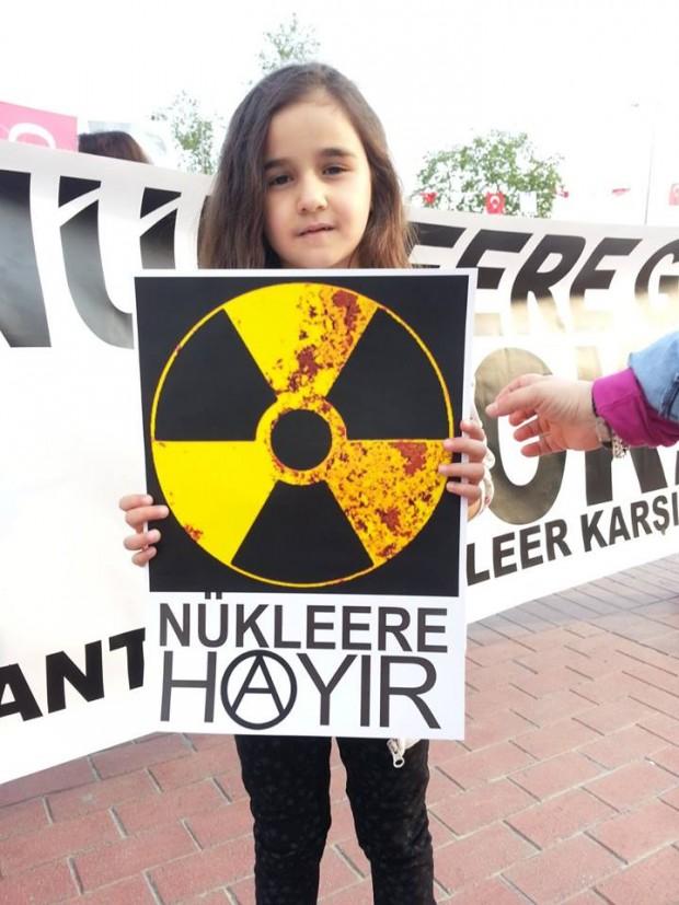 Antalyalılar, Akdeniz'i bitirecek nükleer santrale karşı eylem yaptı!