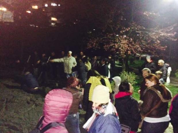 Koşuyolu'nda parkını yıktırmak istemeyen mahalleli, zabıta şiddetine direniyor!