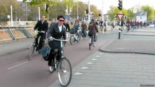Halkı 'bisiklet üzerinde doğan' ülke: Hollanda