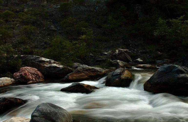 Görmezden gelinen Alakır Nehri'nin 2 HES'lik canı kaldı