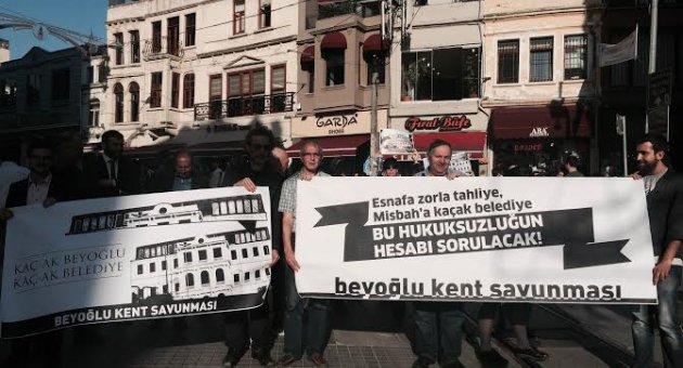 Erdoğan'ın 'kaçak açılış'ına Beyoğlu'nda protesto