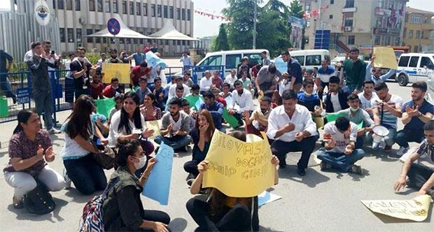 Dilovası'nda gençlerden çevre kirliliği protestosu